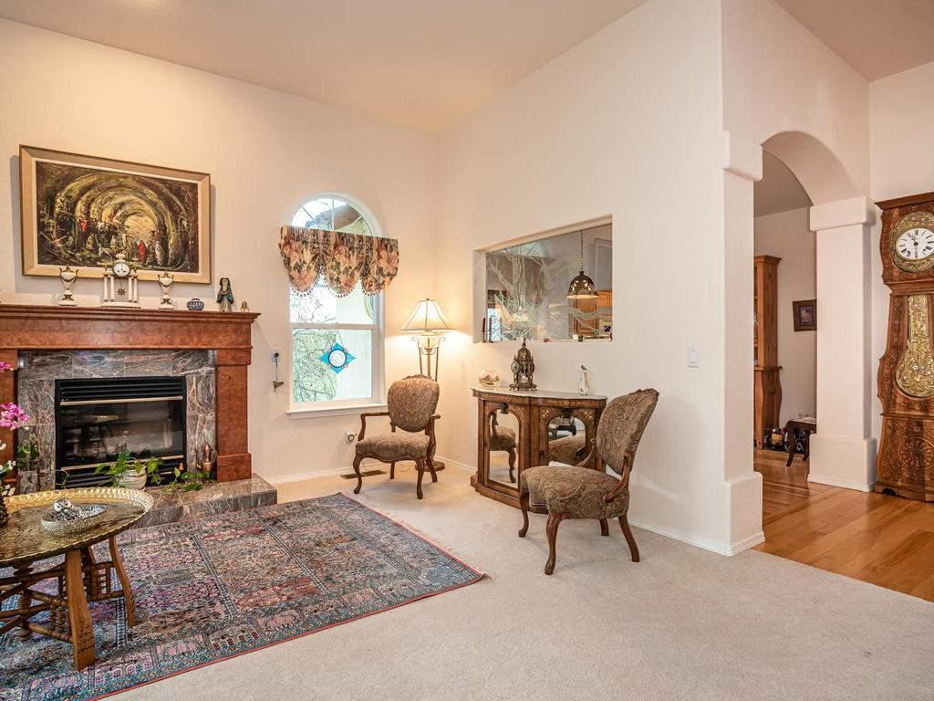 9305-Corona-Rd-Atascadero-CA-008-006-Living-Room-MLS_Size