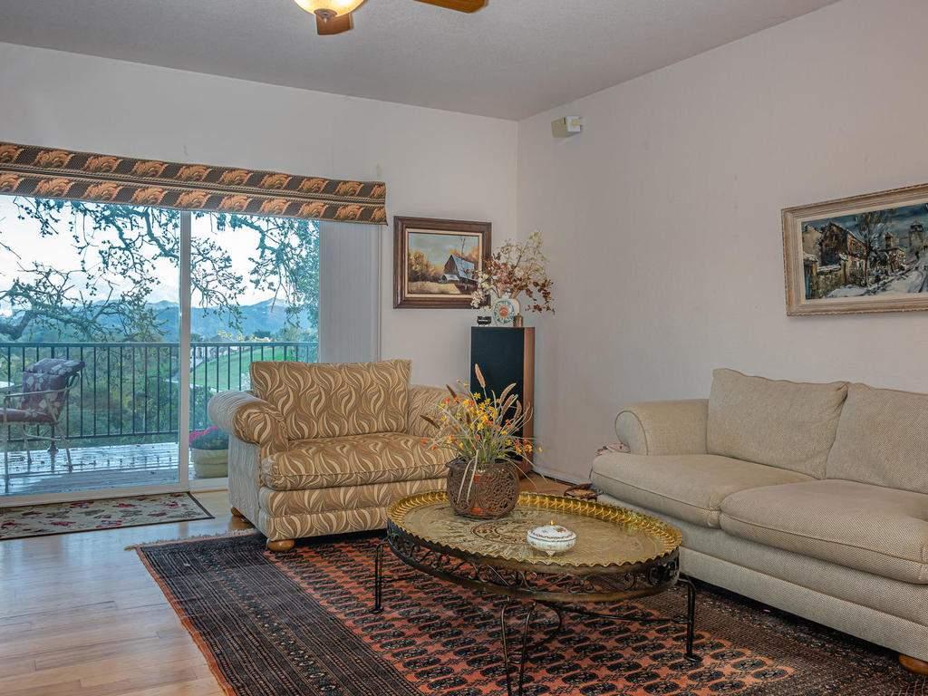 9305-Corona-Rd-Atascadero-CA-012-038-Family-Room-MLS_Size