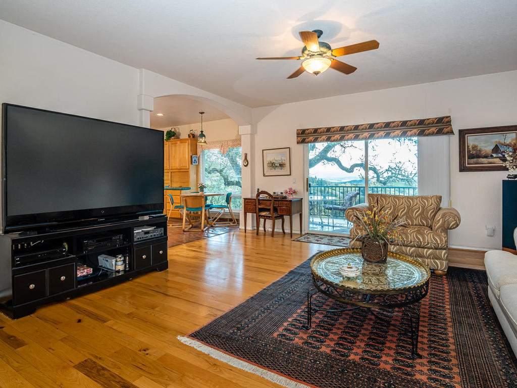 9305-Corona-Rd-Atascadero-CA-013-011-Family-Room-MLS_Size