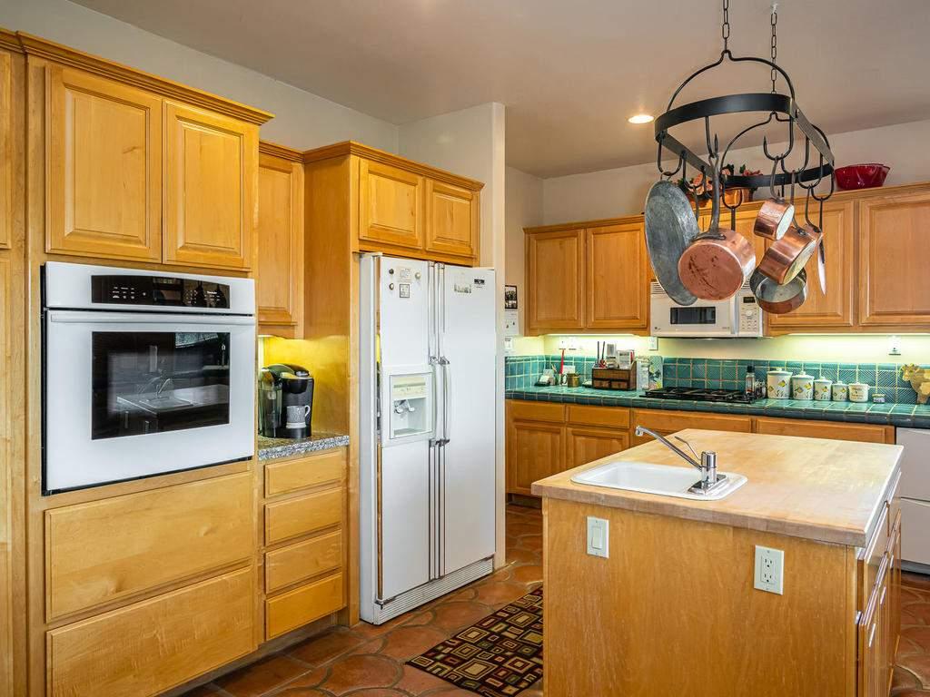 9305-Corona-Rd-Atascadero-CA-014-012-Kitchen-MLS_Size