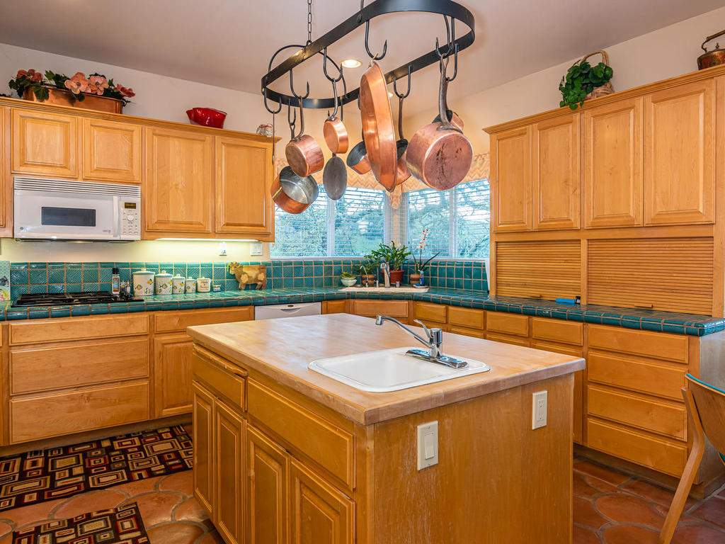 9305-Corona-Rd-Atascadero-CA-016-009-Kitchen-MLS_Size