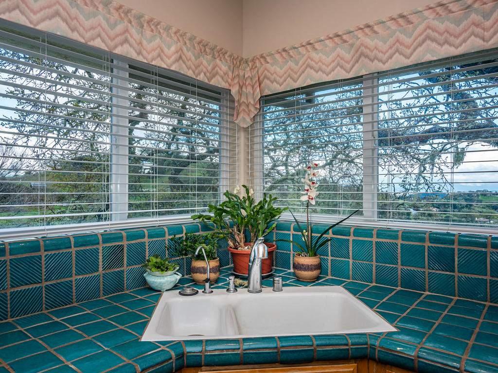 9305-Corona-Rd-Atascadero-CA-017-017-Kitchen-MLS_Size