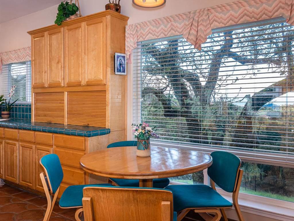 9305-Corona-Rd-Atascadero-CA-018-019-Kitchen-MLS_Size
