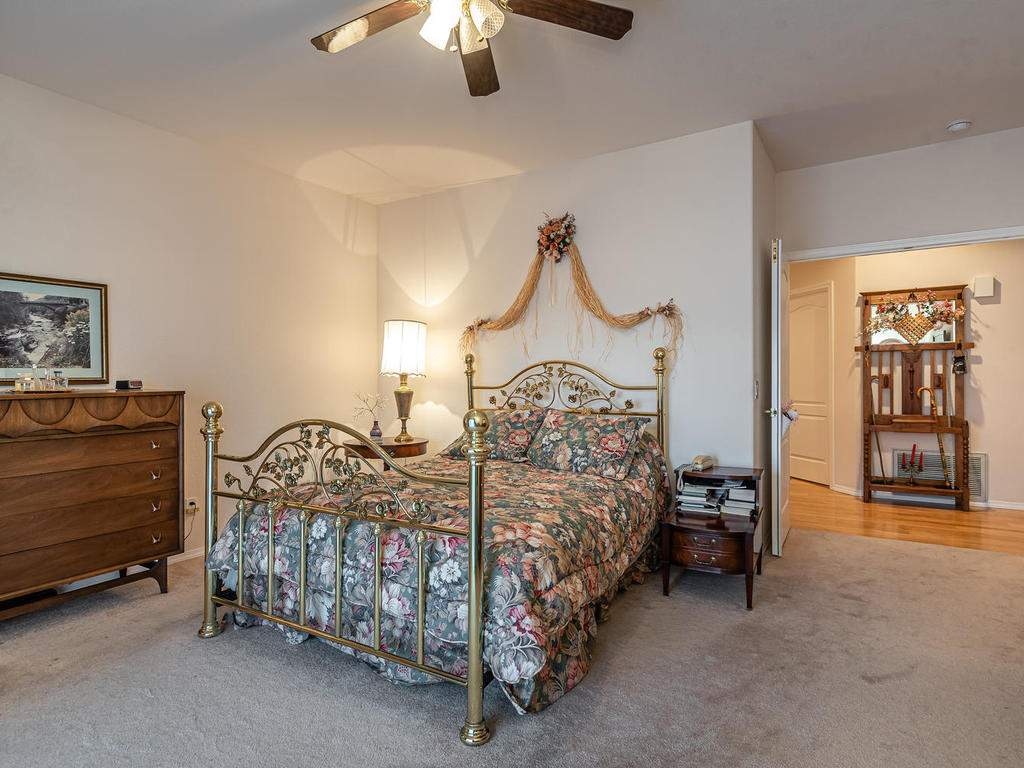 9305-Corona-Rd-Atascadero-CA-019-039-Master-Suite-MLS_Size