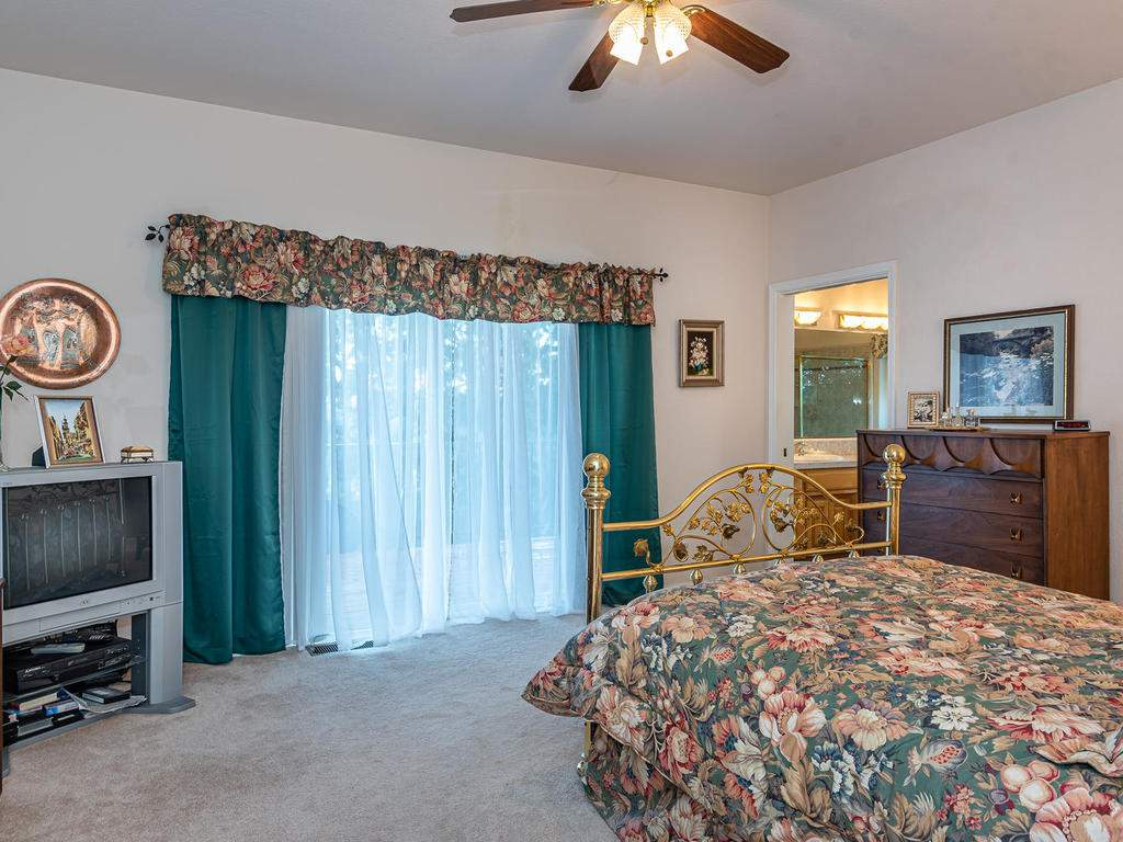 9305-Corona-Rd-Atascadero-CA-020-010-Master-Suite-MLS_Size