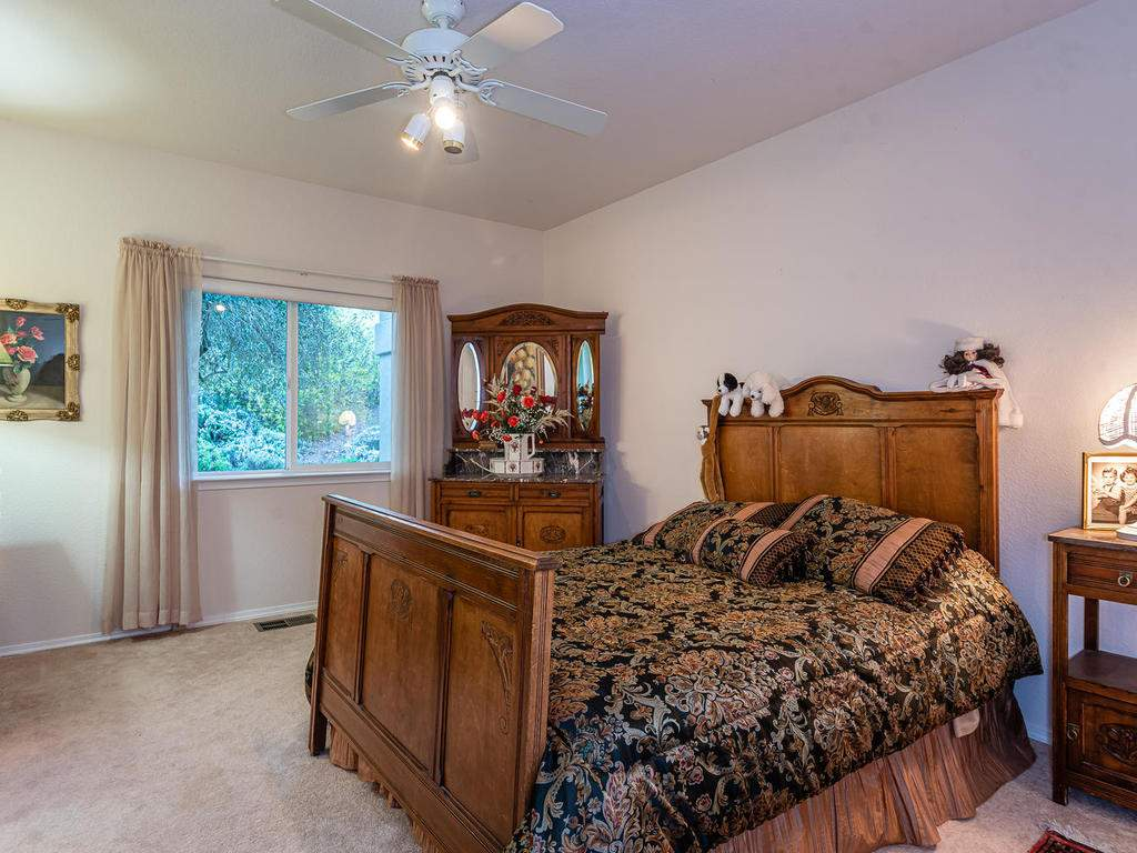 9305-Corona-Rd-Atascadero-CA-024-037-Bedroom-Two-Suite-MLS_Size