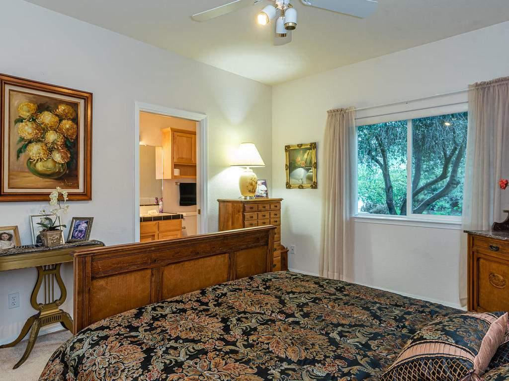 9305-Corona-Rd-Atascadero-CA-025-022-Bedroom-Two-Suite-MLS_Size