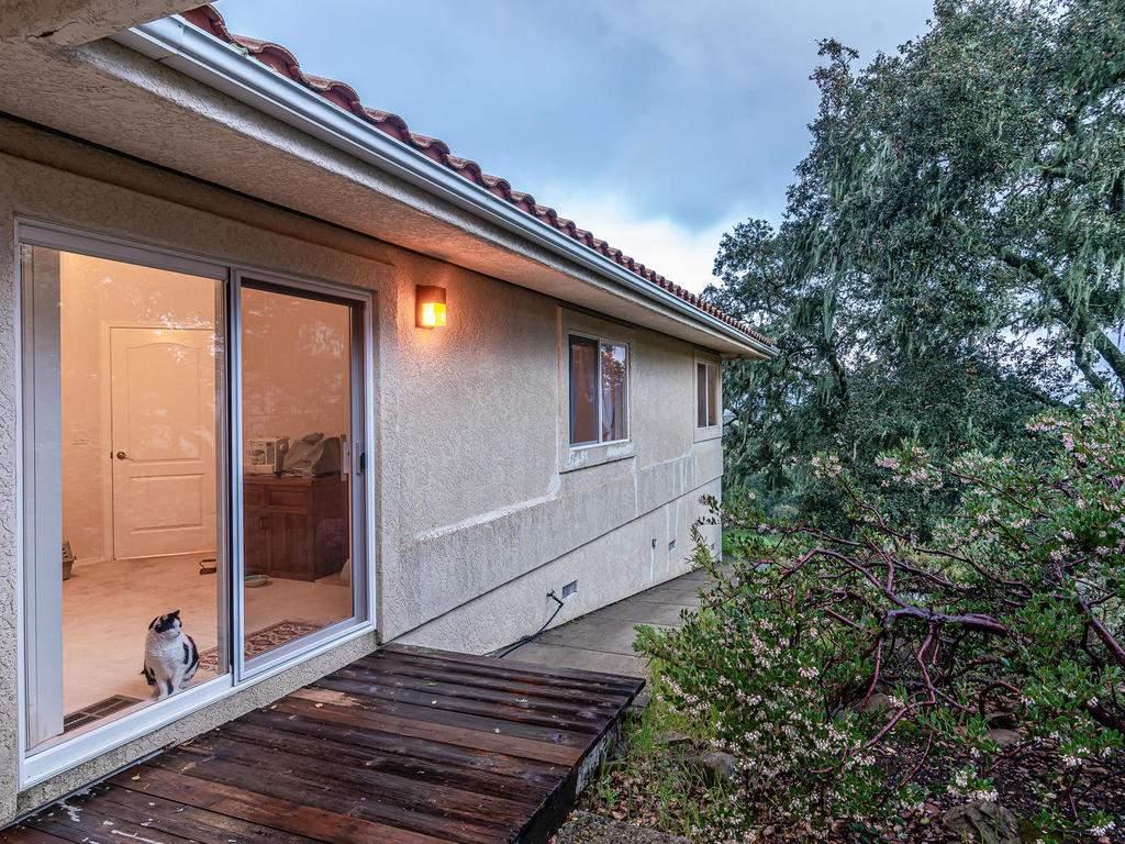 9305-Corona-Rd-Atascadero-CA-029-024-Bedroom-Four-Deck-MLS_Size