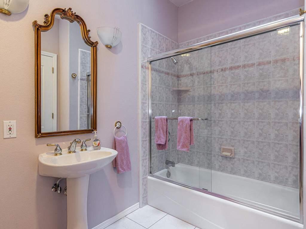 9305-Corona-Rd-Atascadero-CA-030-016-Bathroom-Three-MLS_Size