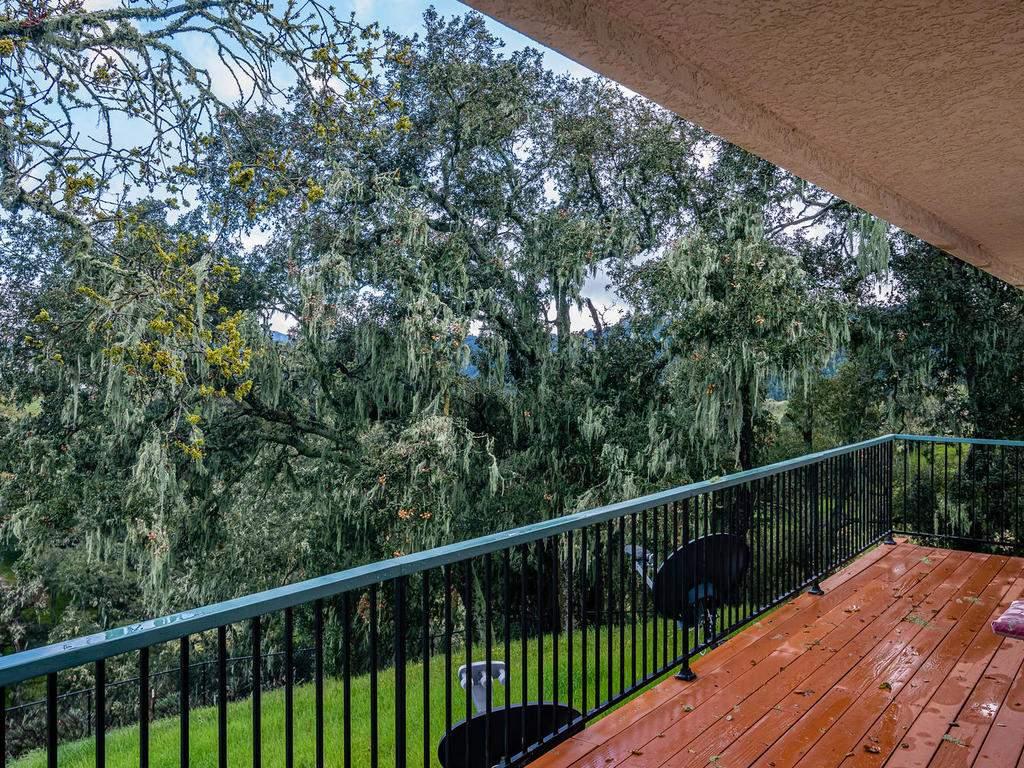 9305-Corona-Rd-Atascadero-CA-034-035-Balcony-MLS_Size
