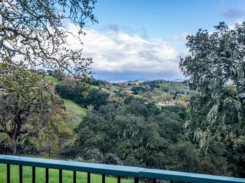 9305-Corona-Rd-Atascadero-CA-036-040-Expansive-Views-MLS_Size