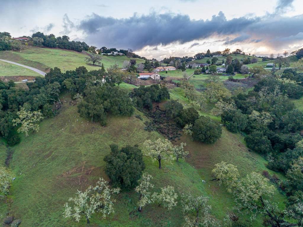 9305-Corona-Rd-Atascadero-CA-041-033-Aerial-View-MLS_Size