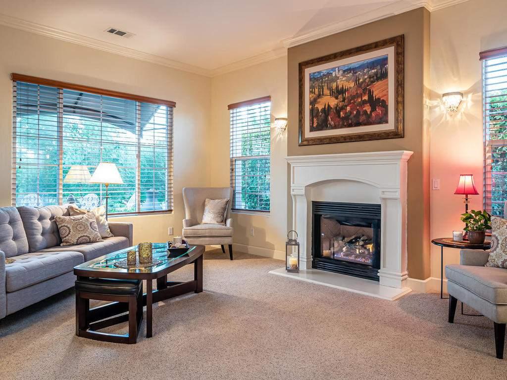 967-Vista-Cerro-Dr-Paso-Robles-004-004-Family-Room-MLS_Size
