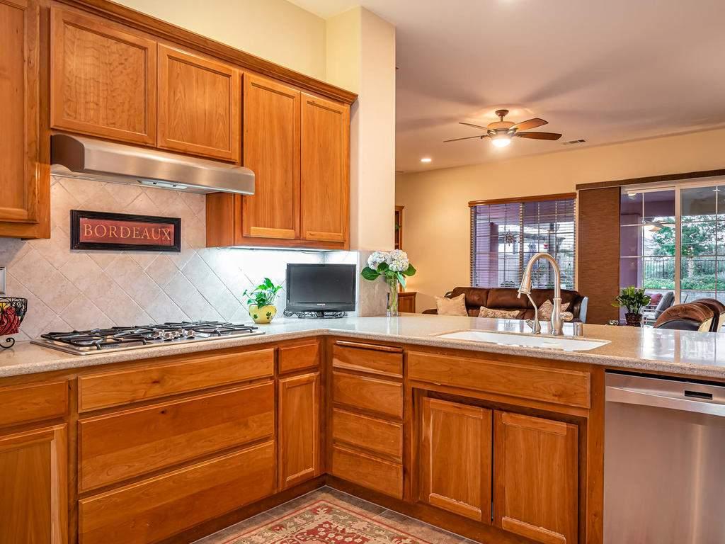 967-Vista-Cerro-Dr-Paso-Robles-015-011-KitchenLiving-Room-MLS_Size