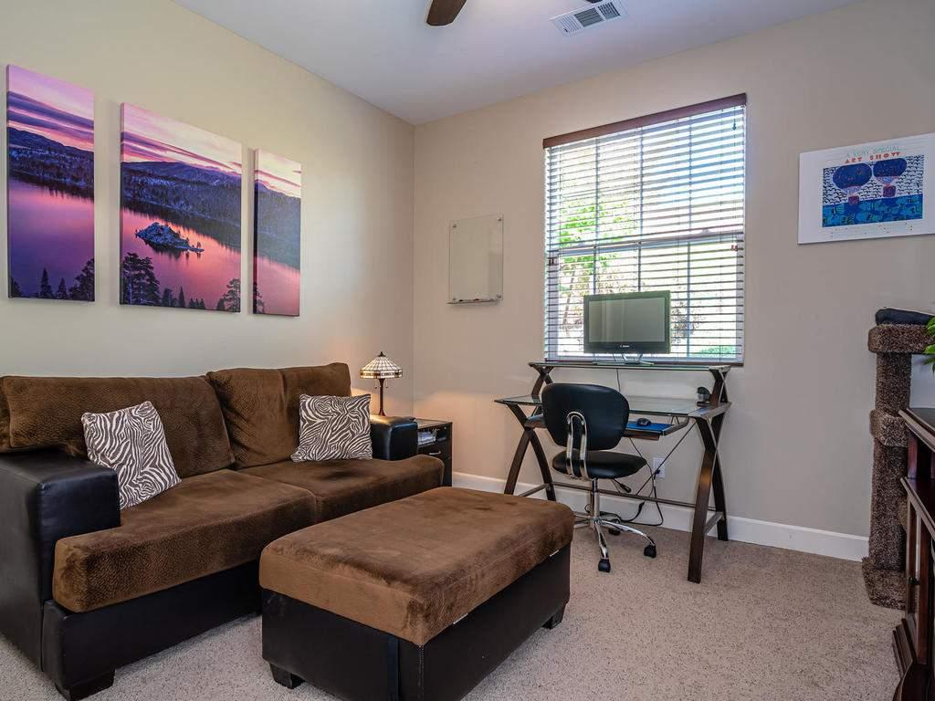 967-Vista-Cerro-Dr-Paso-Robles-027-028-Bedroom-4-MLS_Size